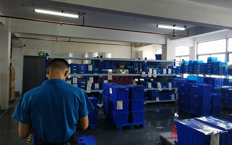 原材料到货后,我们将对其进行质量检查,确保所有物品都整理妥当。 <br><br>