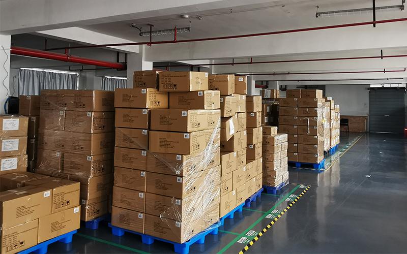 在产品出库前,我们的生产团队和发货经理将对产品进行最后的质量检查。装货箱子都会根据我们客户的要求进行标记和分类。